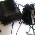 稲葉さんも使っているSHAFT SILVER WORKSの財布とフェザーネックレス