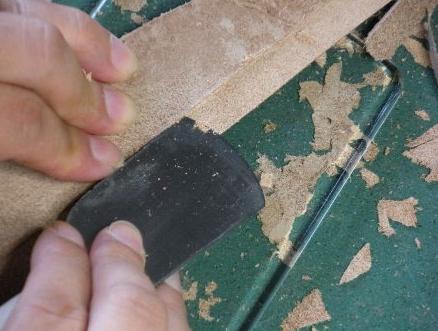 革漉き作業